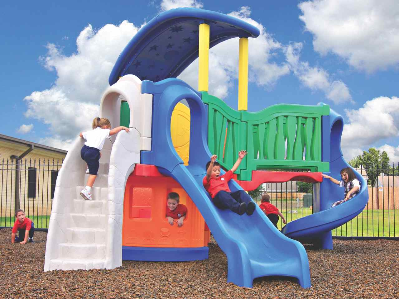 Little tikes climber and slide clever climber all in for Little tikes outdoor playset
